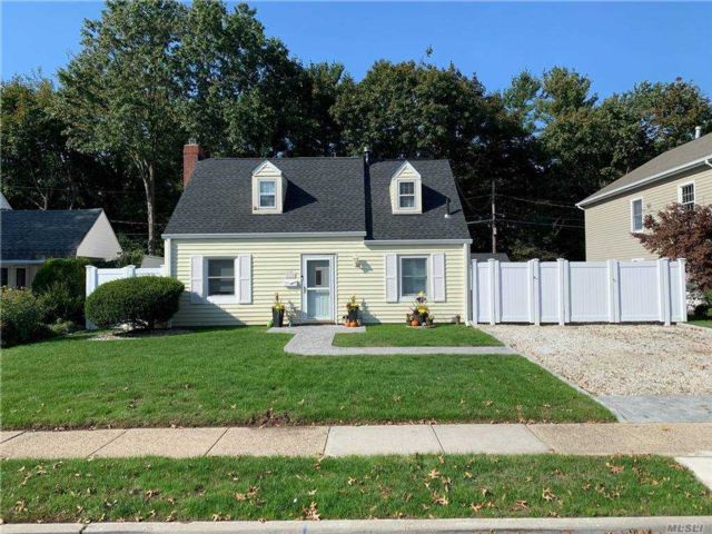 3 BR,  2.00 BTH Cape style home in Carle Place