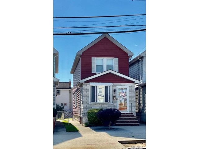 2 BR,  2.00 BTH  Colonial style home in Ozone Park