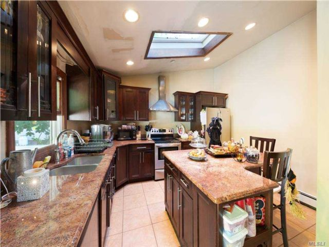 3 BR,  2.00 BTH Cape style home in West Babylon
