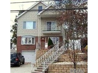 4 BR,  3.00 BTH  Colonial style home in Great Kills
