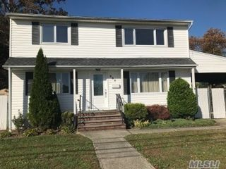 2 BR,  1.00 BTH 2 story style home in West Babylon