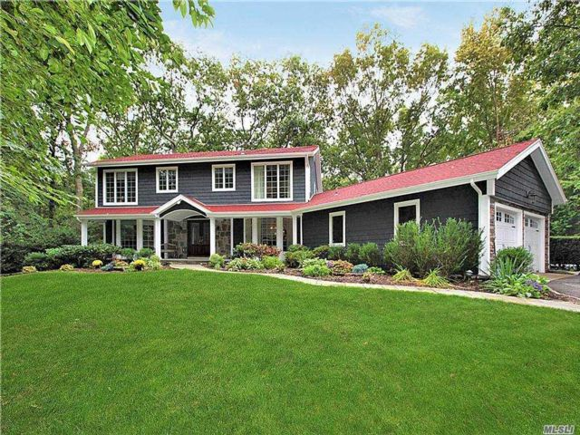 5 BR,  3.00 BTH Colonial style home in Dix Hills