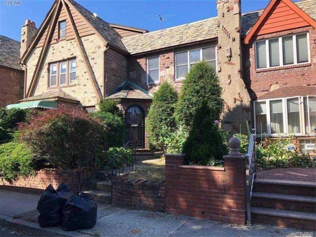 [Rego Park Real Estate, listing number 3168065]
