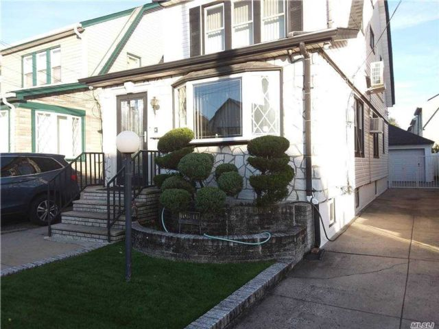 4 BR,  2.00 BTH  2 story style home in Queens Village