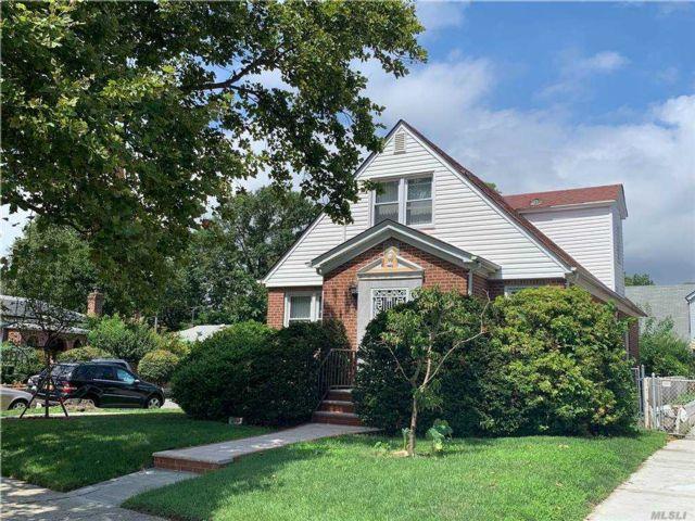 [Whitestone Real Estate, listing number 3168413]
