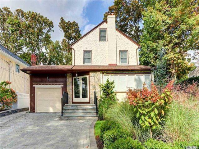 [Merrick Real Estate, listing number 3168691]