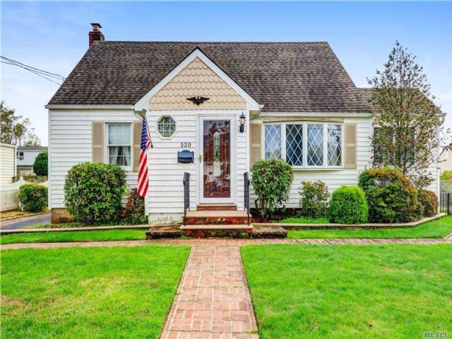 4 BR,  2.00 BTH Exp cape style home in West Babylon