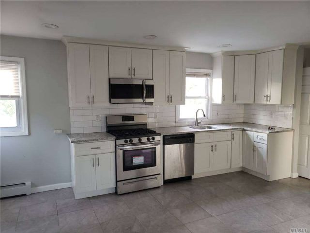 2 BR,  1.00 BTH Colonial style home in Rockville Centre