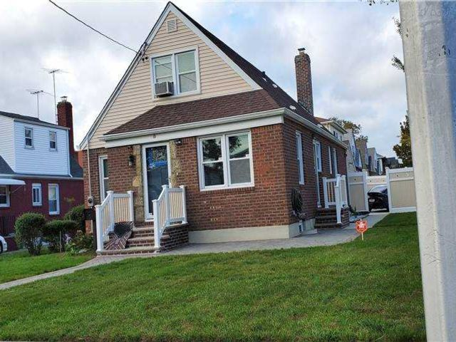 4 BR,  2.00 BTH Cape style home in Floral Park