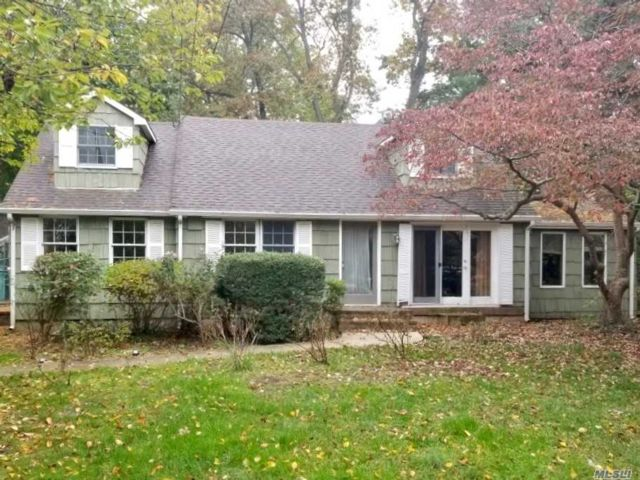 3 BR,  2.00 BTH  Cape style home in Stony Brook