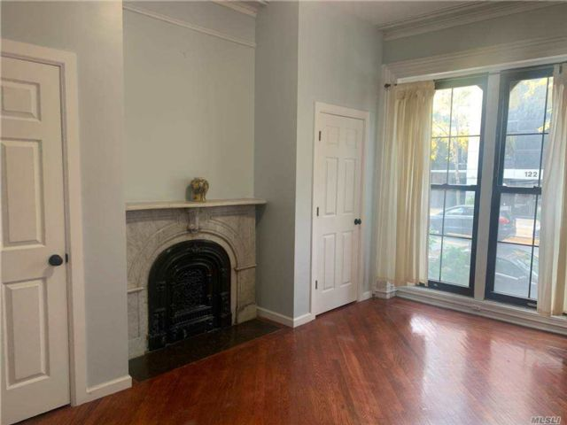 1 BR,  1.00 BTH Townhouse style home in Clinton Hill
