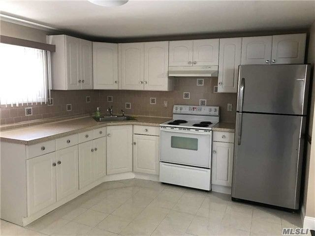 1 BR,  1.00 BTH  Apt in house style home in North Babylon
