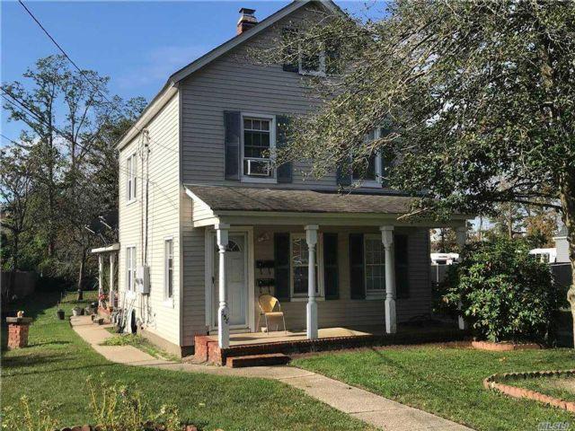 2 BR,  2.00 BTH Duplex style home in Sayville
