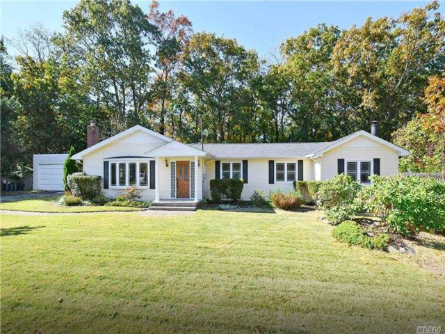 [Smithtown Real Estate, listing number 3169181]
