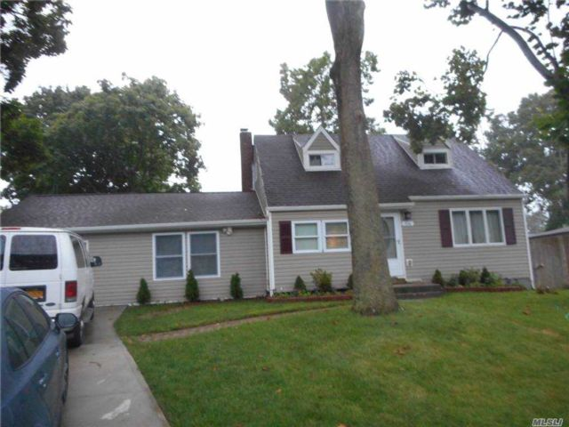 [Central Islip Real Estate, listing number 3169281]