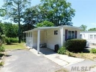 2 BR,  1.00 BTH  Mobile home style home in Riverhead