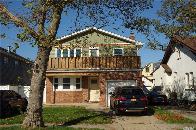 3 BR,  1.00 BTH Multi family style home in Long Beach