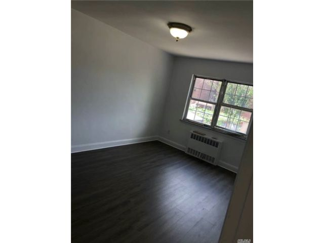 3 BR,  1.00 BTH Apt in house style home in Elmhurst