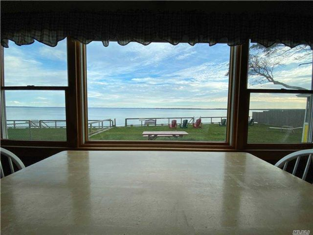 13 BR,  7.00 BTH Other style home in Jamesport