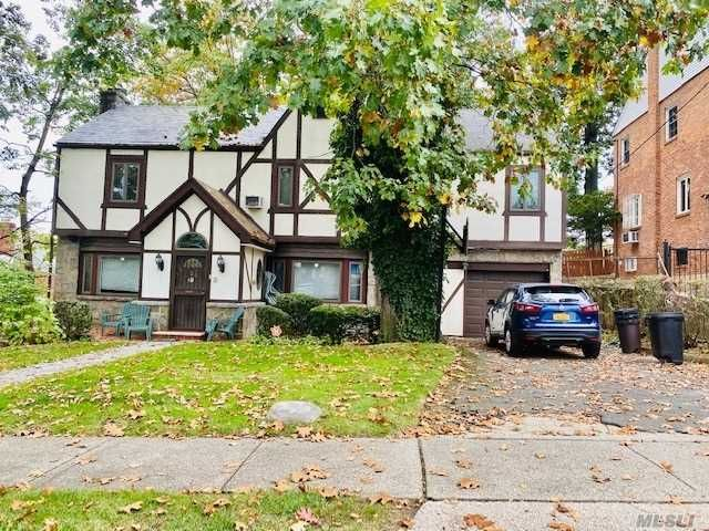 5 BR,  4.00 BTH Tudor style home in Jamaica Estates