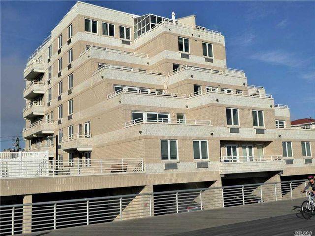 1 BR,  1.00 BTH High rise style home in Long Beach
