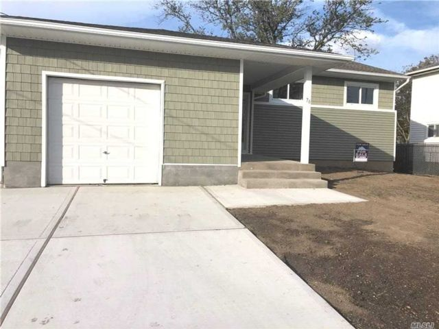 4 BR,  2.00 BTH Ranch style home in Freeport