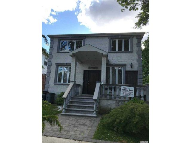 5 BR,  3.00 BTH  Apt in house style home in Fresh Meadows