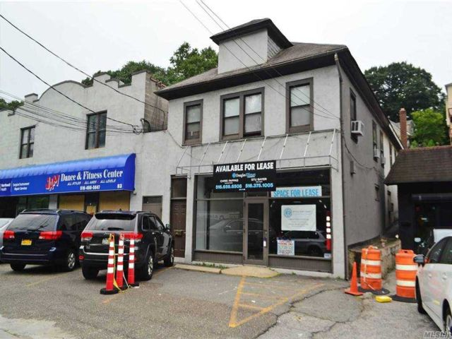 Studio,  0.00 BTH  Commercial style home in Manhasset