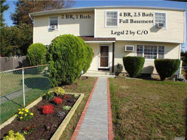 6 BR,  4.00 BTH Duplex style home in West Babylon