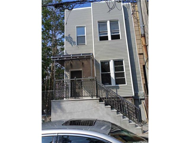 7 BR,  5.00 BTH 2 story style home in East New York