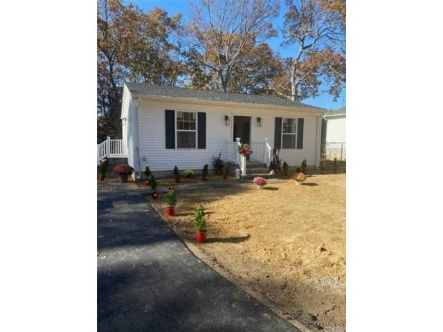 [Mastic Beach Real Estate, listing number 3170045]