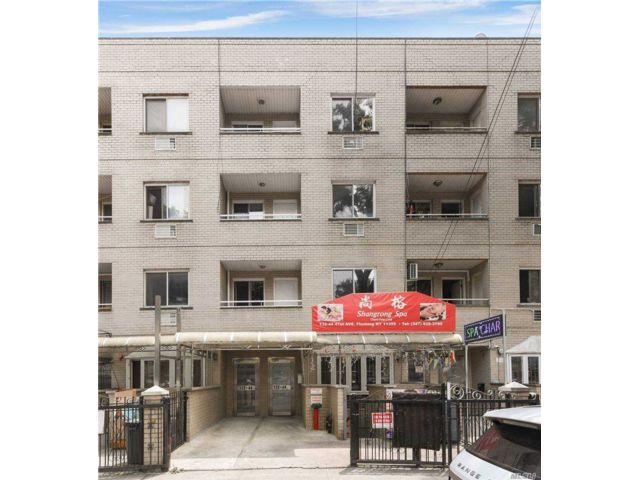11 BR, 14.00 BTH Store+dwell style home in Flushing