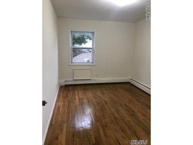 4 BR,  2.00 BTH  House rental style home in Jamaica Hills