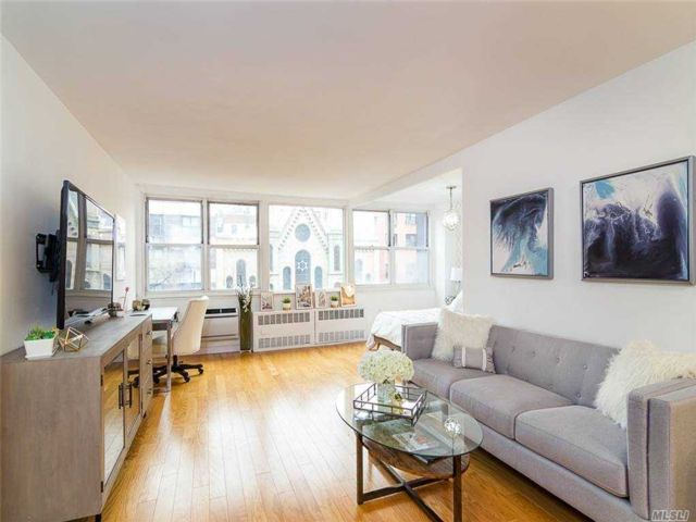 Studio,  1.00 BTH Other style home in New York