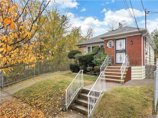 3 BR,  2.00 BTH Ranch style home in Springfield Gardens
