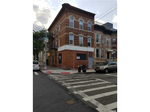 Studio,  0.00 BTH  Commercial style home in East New York