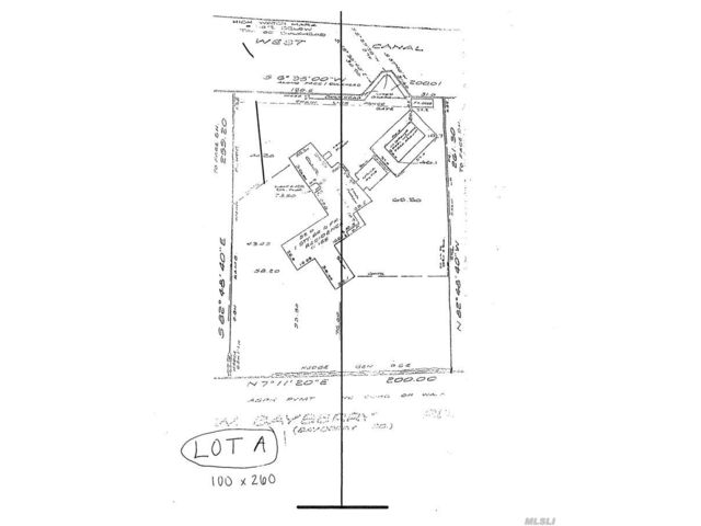 Lot <b>Size:</b> 2,600 Land style home in Islip