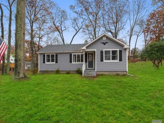 2 BR,  2.00 BTH  Ranch style home in Shoreham