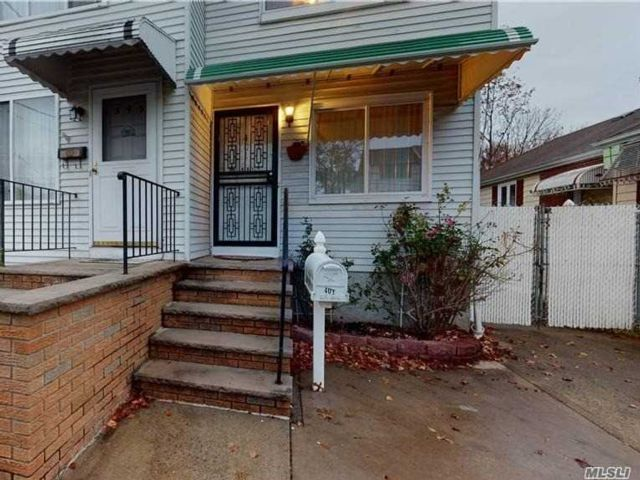 3 BR,  2.00 BTH 2 story style home in South Beach