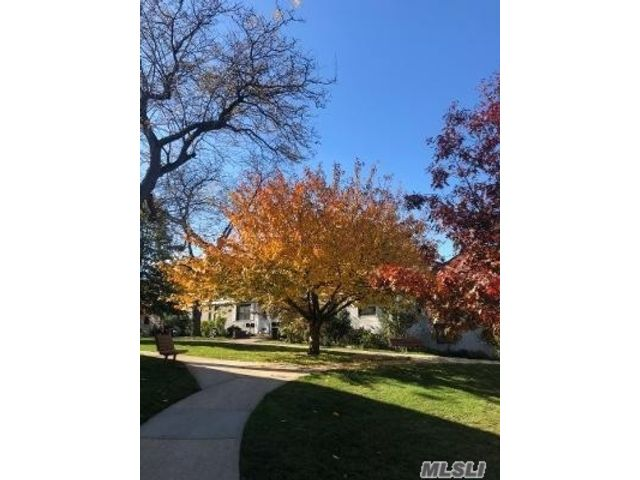 [Kew Garden Hills Real Estate, listing number 3170715]