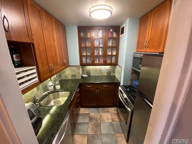 1 BR,  1.00 BTH  High rise style home in Forest Hills