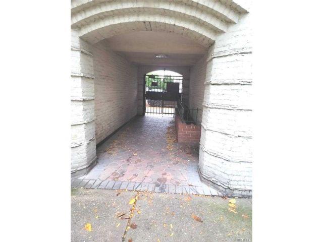 1 BR,  1.00 BTH Garden apartmen style home in Astoria