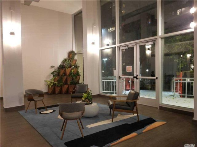 Studio,  1.00 BTH  High rise style home in New York