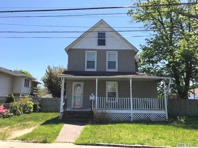 2 BR,  2.00 BTH Colonial style home in West Babylon