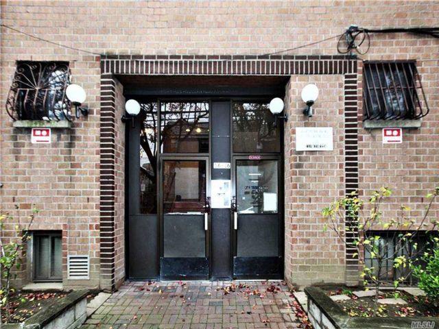 Studio,  0.00 BTH Commercial style home in Elmhurst