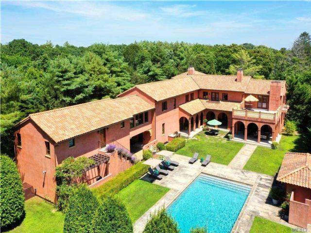 7 BR,  9.00 BTH Mediterranean style home in Westhampton Bch