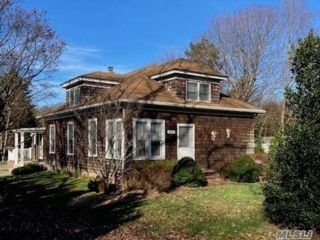 Studio,  0.00 BTH Commercial style home in Brookhaven