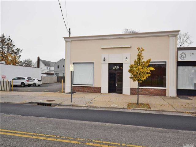 Studio,  0.00 BTH  Commercial style home in West Hempstead