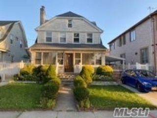 4 BR,  3.00 BTH Colonial style home in Queens Village