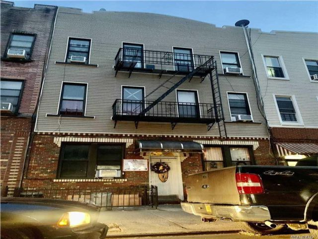 12 BR,  7.00 BTH  Other style home in Bushwick